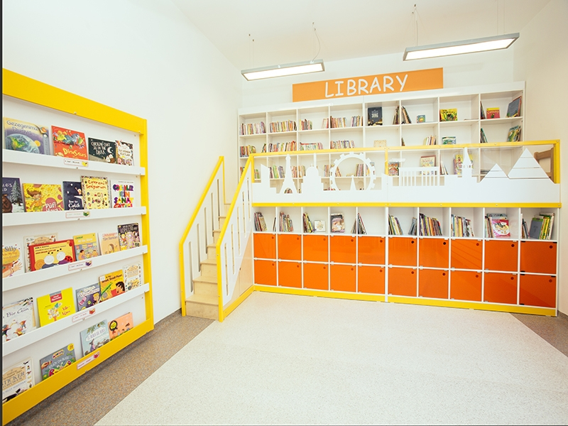1.Crocodily-Bümed Meç Okulları İlkokul İki Katlı Kütüphane