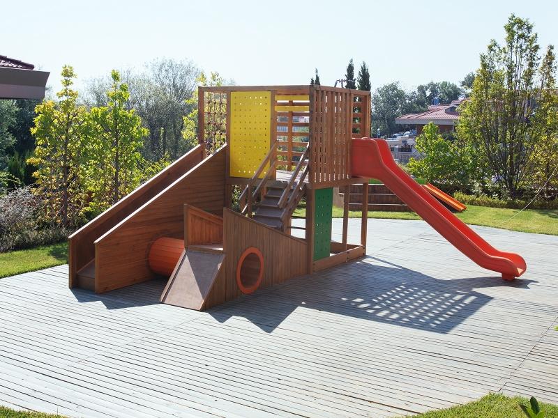 10-Crocodily-Canada Anaokulu Projesi-Bahçe oyun alanı