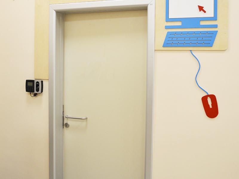 13.Crocodily-Mef Anaokulu Teknoloji Sınıfı Kapısı