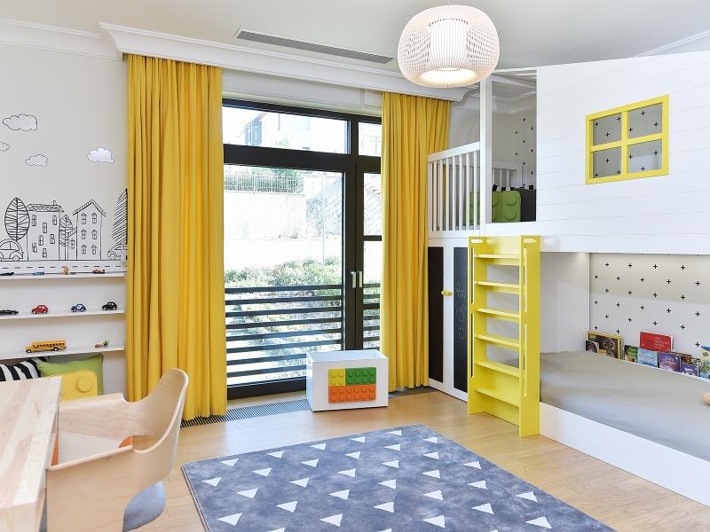 3-Crocodily-Çocuk Odası mobilyaları- su bazlı sarı boyalı merdivenli, çocuk ranzası
