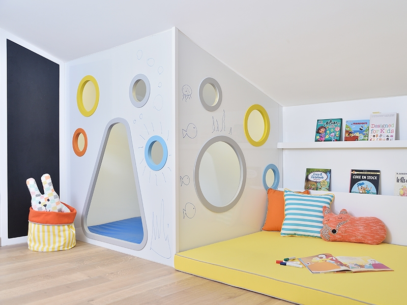 3-Crocodily-Oyun odası tasarımı- hayal dünyası oyun evi-siyah tahta-okuma köşesi-oyuncak kutusu