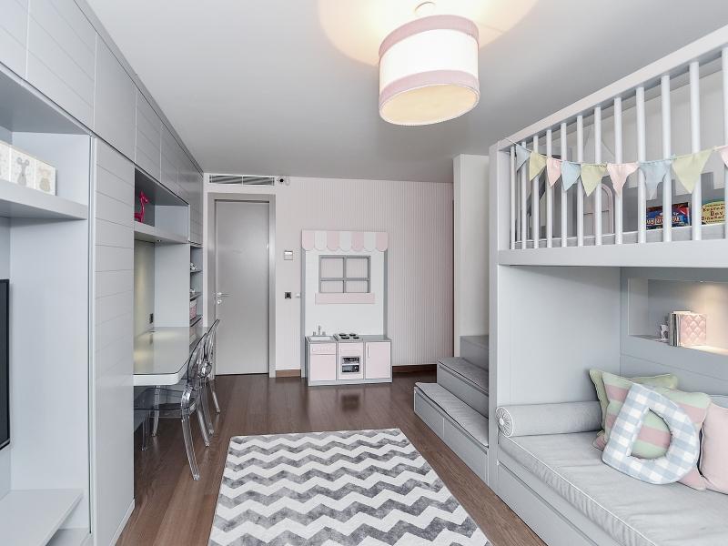 4-Crocodily-Çocuk odası tasarımı, şato temalı ranza, çalışma alanı, mutfak oyun köşesi