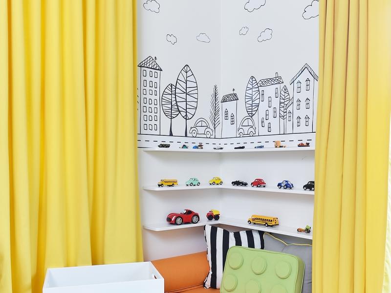 5-Crocodily-Çocuk Odası tasarımı- Cadde tasarımlı çocuk duvar kağıdı,özel tasarım lego oyuncak kutusu,lego yastık