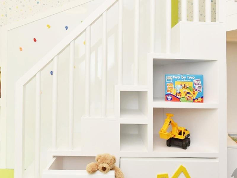 6-Crocodily-Çocuk mobilyası, Ahşap araba,kepçe figürlü depolama üniteli,raflı merdiven tasarımı