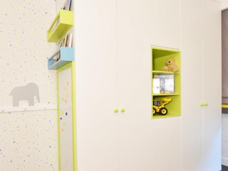 7-Crocodily-Çocuk odası tasarımı, Çocuk dolabı yan duvar kitaplık tasarımı,mıknatıslı aktivite panosu,ahşap fil figürlü tasarımı