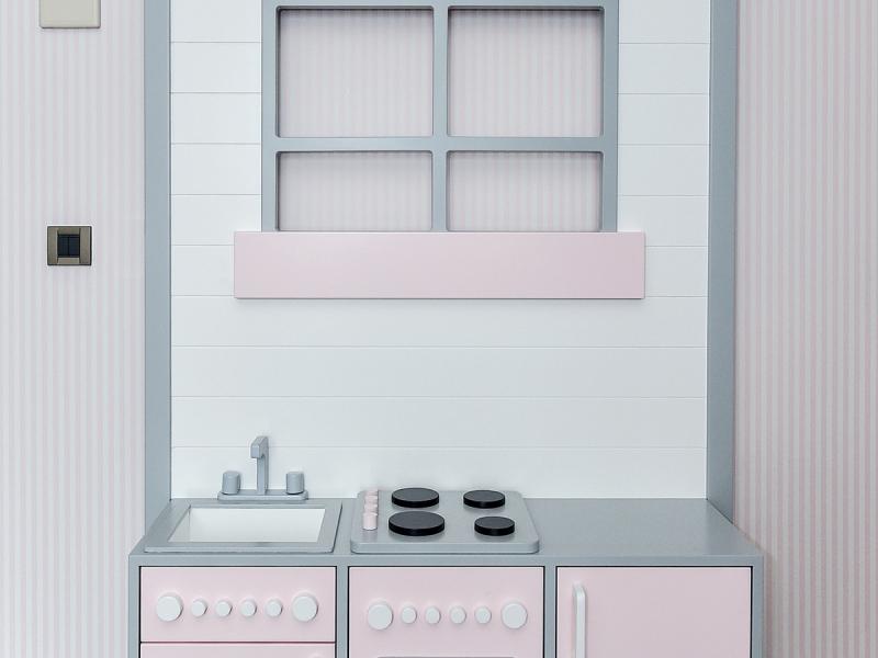 7-Crocodily-Gri,pembe ve beyaz su bazlı boya uygulamalı tasarım oyuncak çocuk mutfak mobilya tasarımı